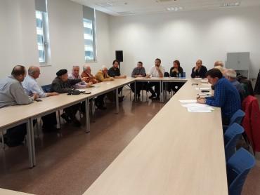 Trobada amb la Consellera de Treball, Afers Socials i Famílies, Sra. Bassa, l'alcalde Sr. Fernández i la Plataforma de la residència Sabadell Sud