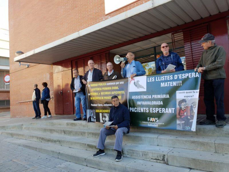 """Las FAVSabadell se suma a la campaña estatal """"Las listas de espera matan"""""""