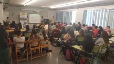 portant la història del moviment veïnal de Sabadell als instituts: IES Vallés; IES Miquel Crusafont